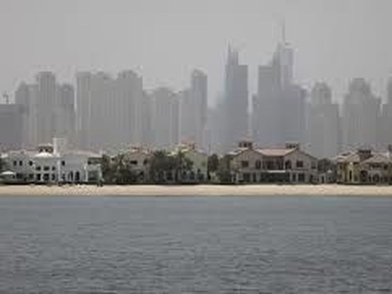 Jumeirah Palm Island luxury villas are seen by their private beaches in Dubai, United Arab Emirates. (Photo: AP)