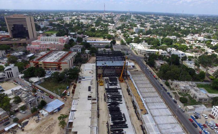 Las autoridades analizan con empresarios de la zona el proyecto para agilizar la vialidad en la Avenida Colón. (Milenio Novedades)