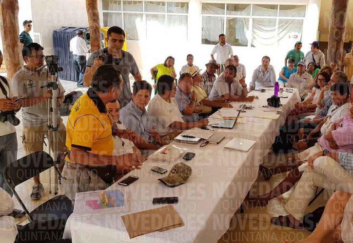 Ayer se realizó la reunión del Consejo en la Casa de la Cultura de Holbox. (Jesús Tijerina/SIPSE)