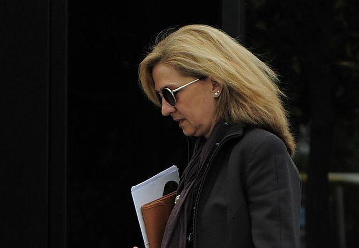 La infanta volvió a acudir a su puesto de trabajo en la Fundación La Caixa de Barcelona sin hacer declaraciones. (Agencias)