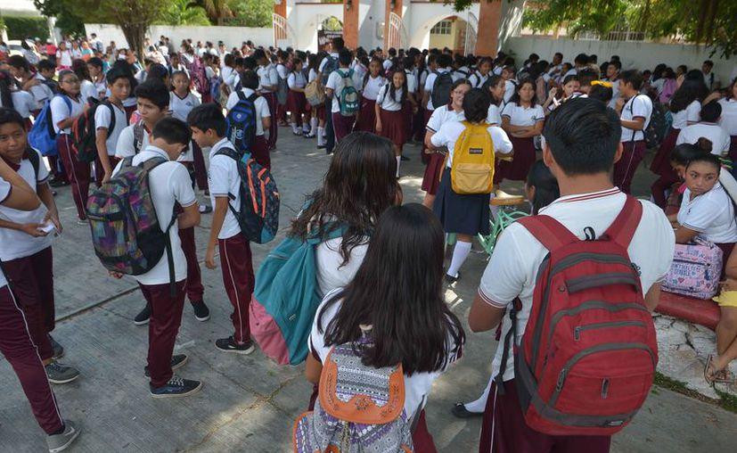 Las autoridades investigan el comportamiento agresivo de los estudiantes. (Gustavo Villegas/SIPSE)
