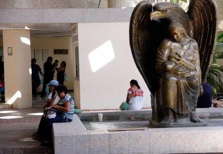 El IMSS Yucatán amplió sus horarios de uso de quirófanos para abatir el rezago de intervenciones quirúrgicas. La imagen es únicamente de contexto. (SIPSE)