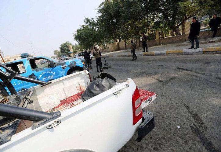 La sangre no para de correr en Irak: enfrentamientos armados dejaron 22 muertos este jueves. La imagen corresponde al mercado Bab al-Sharqi, donde el 30 de enero hubo un atentado, y está utilizada únicamente como contexto. (Efe/Archivo)