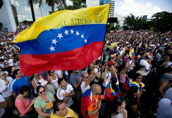 En Caracas, capital de Venezuela, se realizó este domingo nueva manifestación. (Agencias)