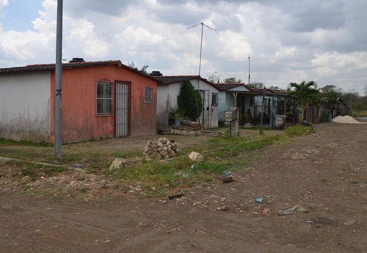 Los habitantes carecen de vigilancia policíaca y alumbrado público, provocando más robos. (Carlos Castillo/SIPSE)