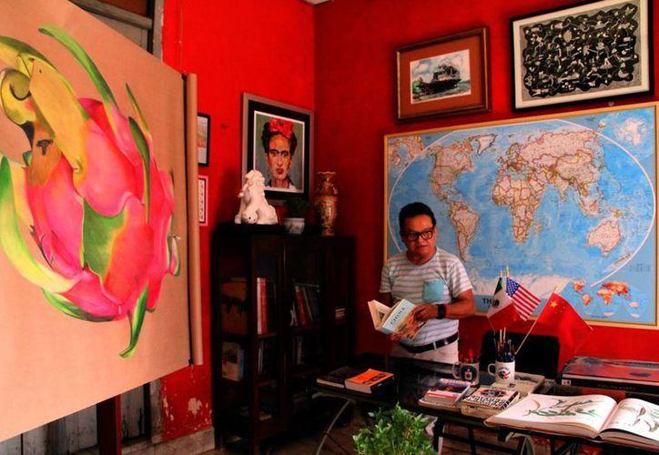 """""""Por su sabor, color, consistencia y otras características la pitahaya es un fruto único en el mundo, exquisita y valiosa"""", afirmó el pintor José Luis Loria Méndez. (Milenio Novedades)"""