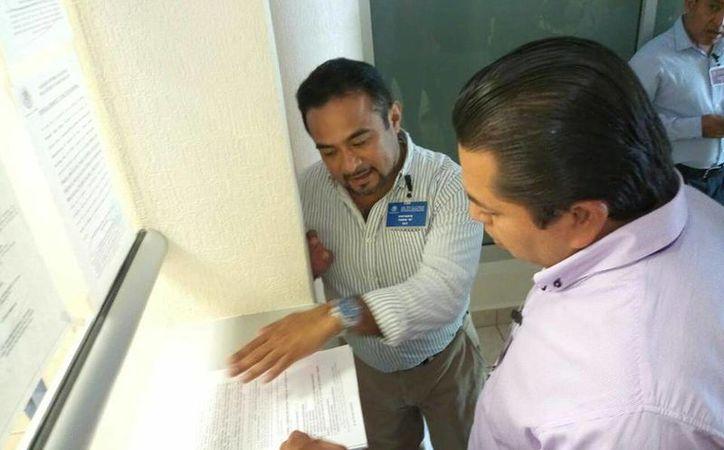 Los simpatizantes del Sol Azteca presentaron los amparos ante el Poder Judicial de la Federación de Cancún. (Luis Soto/SIPSE)