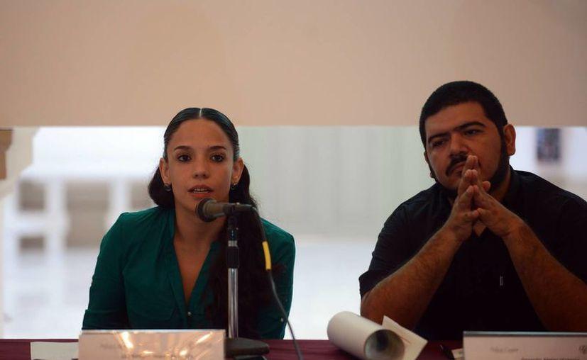 Giovana Jaspersen García y Gerardo Alejos Victoria dieron a conocer la nueva edición del Festival de Improvisación, Jazz Libre y Ruidismo 'Cha'ak'ab Paaxil.  (SIPSE)