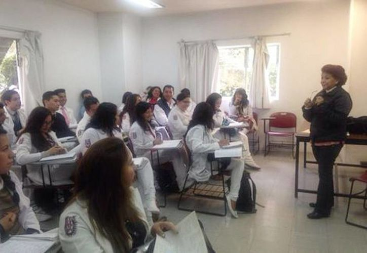 Los jóvenes dijeron que están contentos por regresar a clases. (Alma Paola Wong/Milenio)