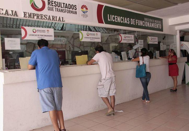 Dan a los empresarios 10 días para actualizar la licencia de funcionamiento. (Tomás Álvarez/SIPSE)