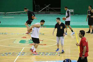 Tri de básquetbol entrena en Polifórum Zamná