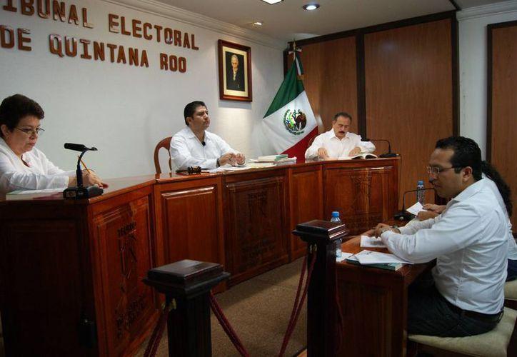 El Teqroo determinó por unanimidad la sentencia en contra del PRD. (Archivo/SIPSE)