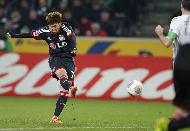 Al minuto 62, el surcoreano Heung-Min Son fue el autor del solitario gol para el Bayer ante el Borussia. (Agencias)