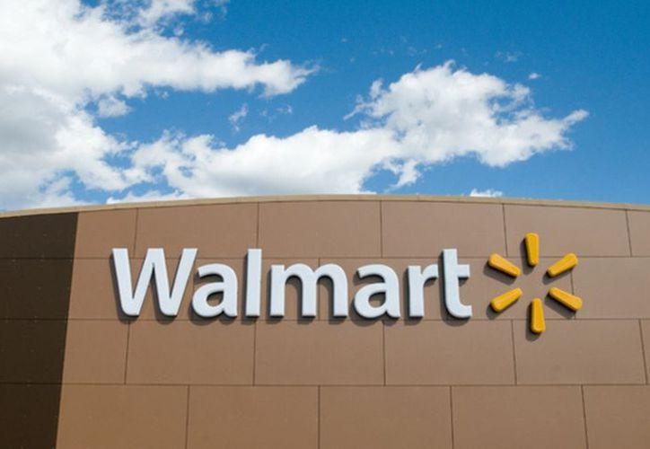 La cadena de tiendas de autoservicio Walmart instalará gasolineras en tiendas ubicadas en cuatro Estados de México. (Walmart)