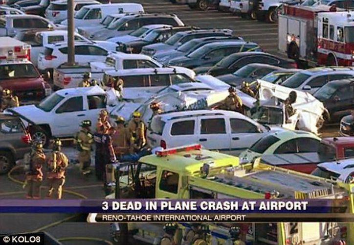En el lugar quedaron destruidos 15 automóviles, sin embargo no se encontraron más personas heridas o muertas en el sitio. (Foto de KOLOB)