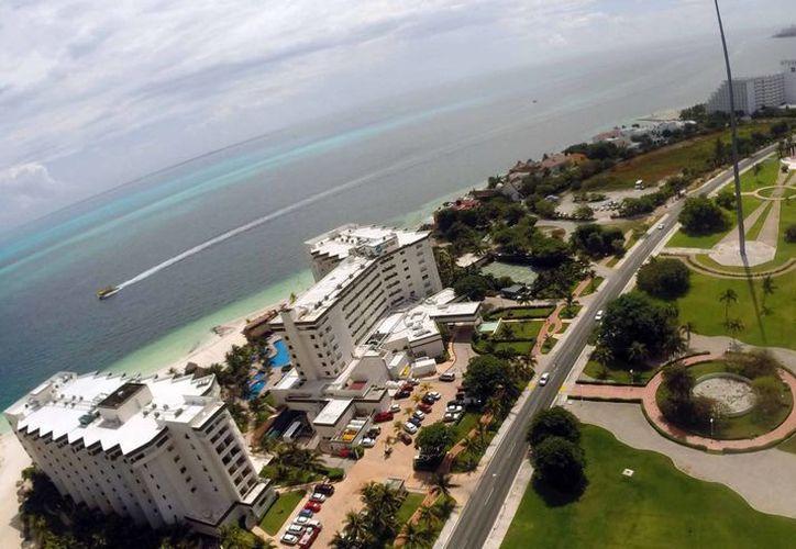 En la temporada otoño-invierno, Cancún recibirá nuevos visitantes estadounidenses. (Israel Leal/SIPSE)