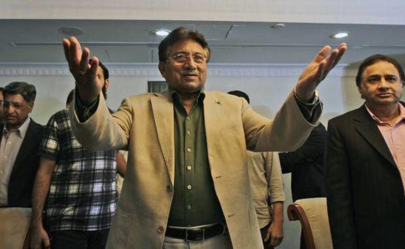 """Musharraf tiene enemigos por su  alianza en la guerra """"contra el terrorismo"""", dirigida por EU. (Archivo)"""