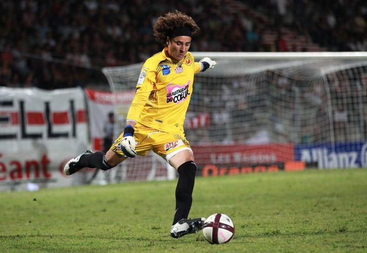 Ochoa vive su último año en la meta del Ajaccio. (Foto: Archivo/Agencias)