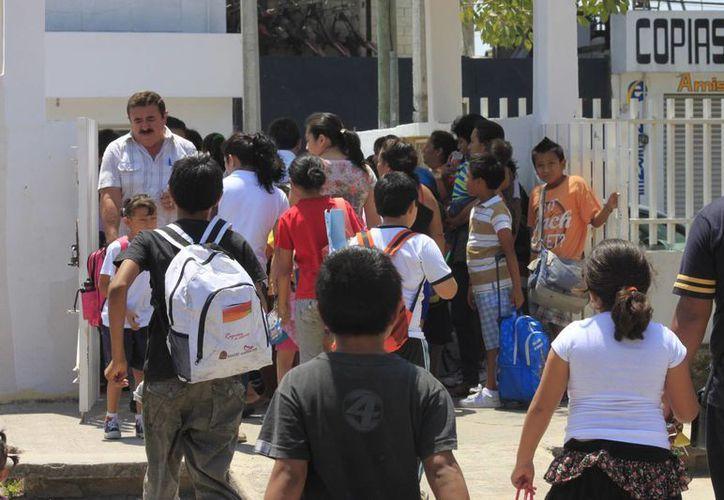 Se pretende aumentar el número de alumnos becados en el estado. (Benjamín Pat/SIPSE)