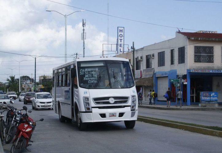 La última vez que se realizó un incremento a la tarifa del transporte fue hace seis años. (Octavio Martínez/SIPSE)