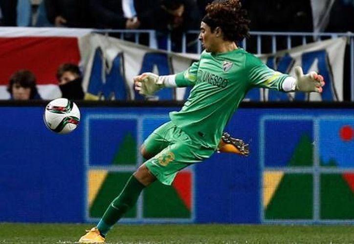 Guillermo Ochoa, será convocado a la selección mexicana de cara a la copa oro que se efectuará en los Estados Unidos. (@MálagaCF)