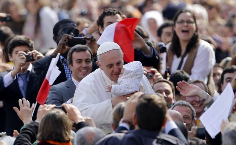 """El Papa explicó que trabajará por la paz, por los pobres y para """"tender puentes"""" entre los pueblos. (Agencias)"""