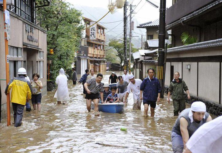 Las precipitaciones en las últimas 48 horas alcanzaron los 300 milímetros en algunas partes de la ciudad de Kioto y Otsu. (Agencias)