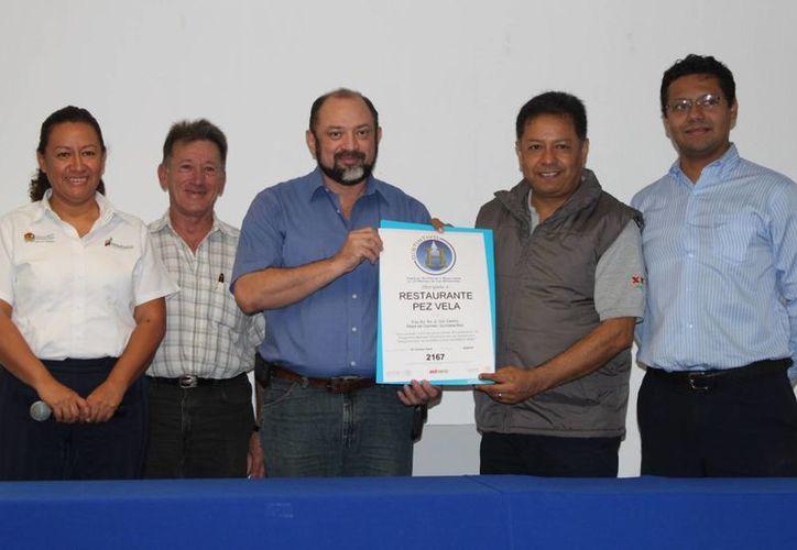 La empresa Pez Vela recibió certificación. (Adrián Barreto/SIPSE)