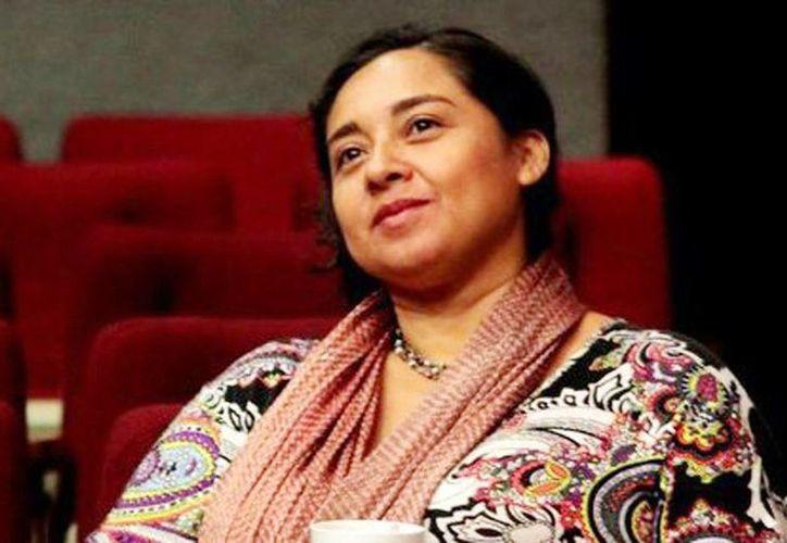 Conchi León, artista y dramaturga, ha apoyado a internos e internas del Cereso al compartirles su amor por el arte teatral. (Milenio Novedades)