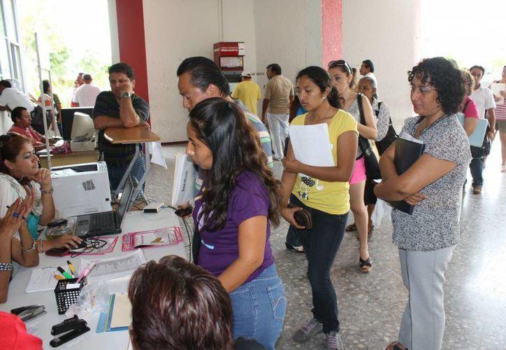 Únicamente 300 mil empleados están dados de alta ante el Seguro Social en Quintana Roo. (Harold Alcocer/SIPSE)