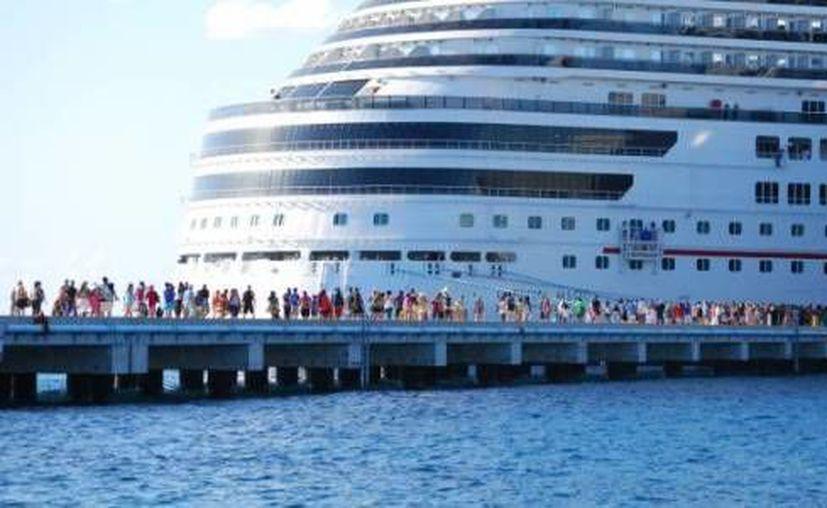 La Apiqroo pretende que Mahahual y Cozumel sean puntos de embarque de cruceros. (Contexto/Internet)
