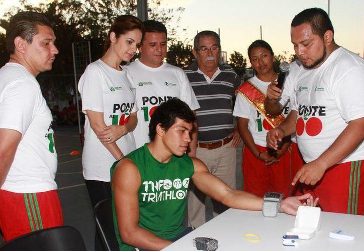 Jóvenes deportistas se dieron cita en la Unidad Deportiva Independencia. (Cortesía/SIPSE)