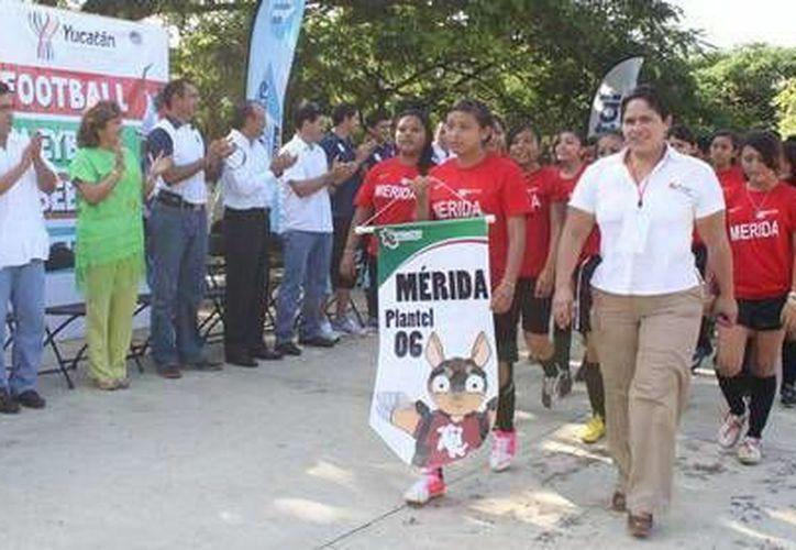 Evento inaugural de los Juegos Deportivos del Cecytey. (Milenio Novedades)