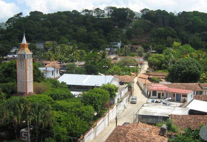 Imagen de contexto del municipio de Cacahuatepec, Oaxaca, lugar donde asesinaron al exalcalde Jesús Dámaso Baños Tapia. (pfcelism/Google)