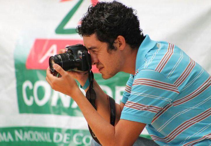 Miguel Maldonado es galardonado por la Federación de Cronistas Deportivos de México. (Benjamín Pat/SIPSE)