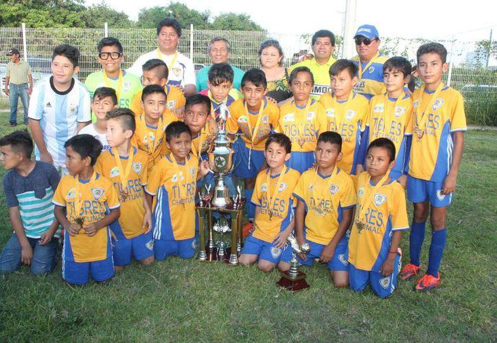 Los Tigres Chetumaleños dieron el gran zarpazo en la categoría infantil. (Miguel Maldonado/SIPSE)