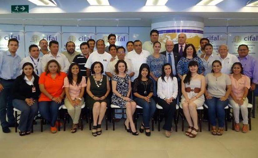 Participantes del curso profesional de Turismo Cultural. (Milenio Novedades)