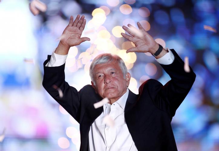 El candidato presidencial Andrés Manuel López Obrador, en el cierre de su campaña. (Reuters)