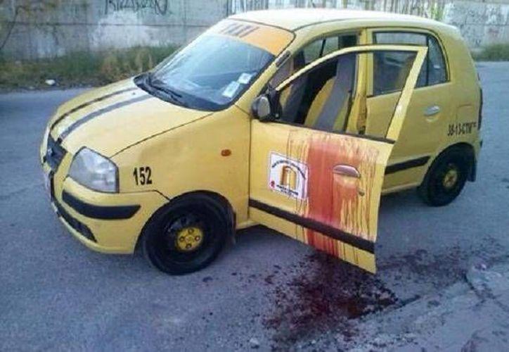 El taxista asesinado en Torreón estaba dentro de un vehículo de la Unión de Choferes y Concesionarios. (Milenio)