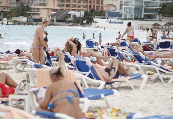 La industria hotelera ofrece seguridad a los visitantes de los destinos turísticos. (Israel Leal/SIPSE)