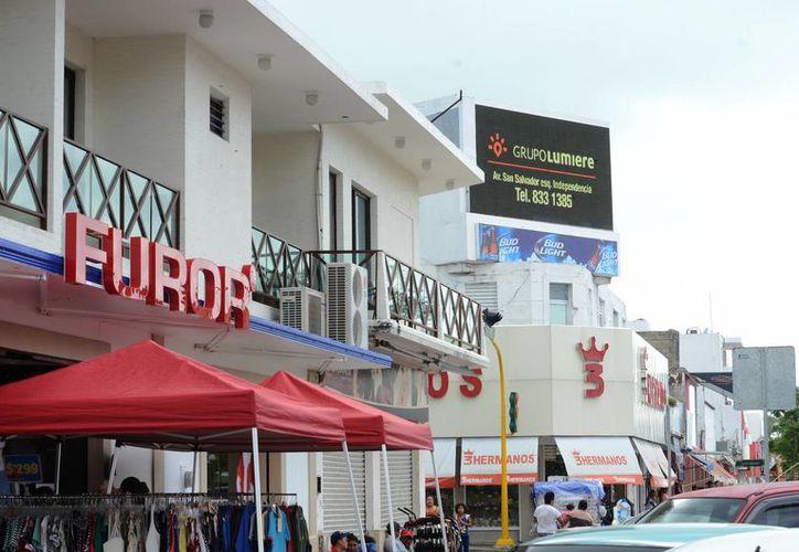 Algunos negocios denunciaron cobros 'exagerados' ante la Canaco. (Eddy Bonilla/ SIPSE)