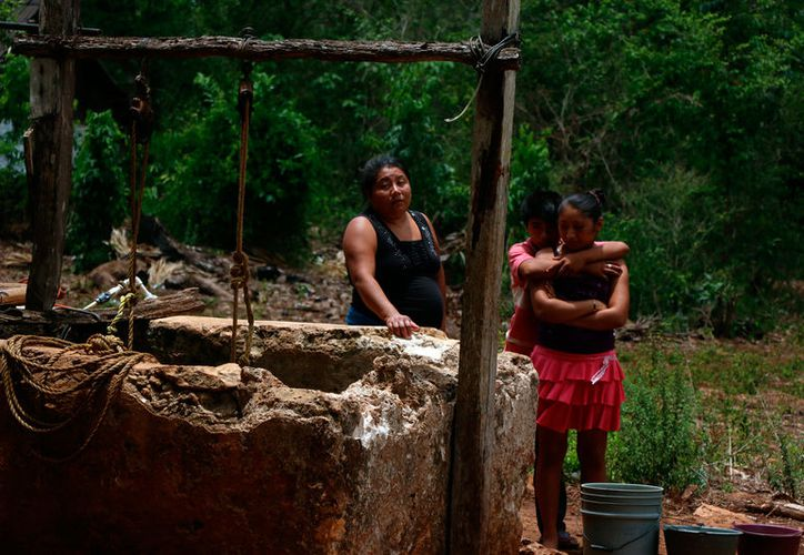 La comunidad de La Esperanza, de donde son los alumnos que en 2007 obtuvieron el mejor promedio de todo el país en la prueba Enlace, no tiene servicios básico, como agua potable. (José Acosta/SIPSE)