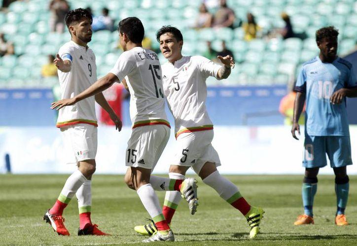 México buscará la victoria ante Corea, a pesar de las ausencias de Oribe Peralta y Rodolfo Pizarro, quienes fueron dados de baja por lesión. (Arisson Marinho/AP)