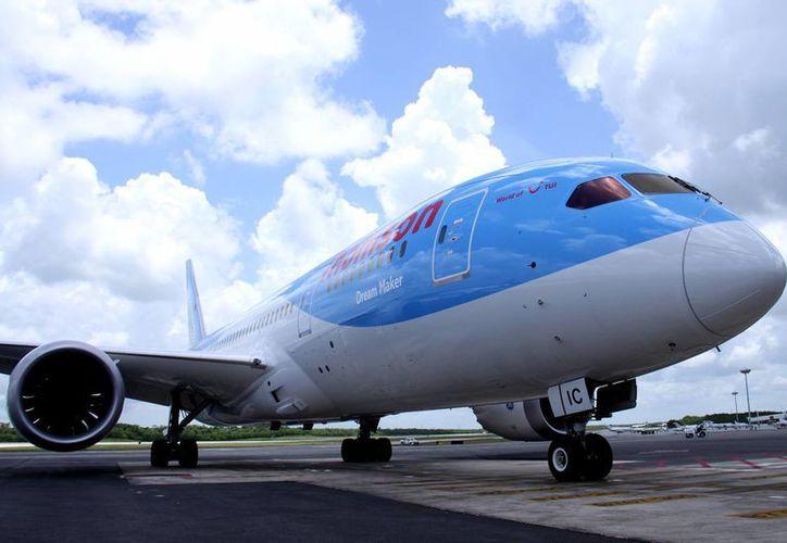 Los Air Bus tienen capacidad para más de 300 pasajeros. (Francisco Gálvez/SIPSE)