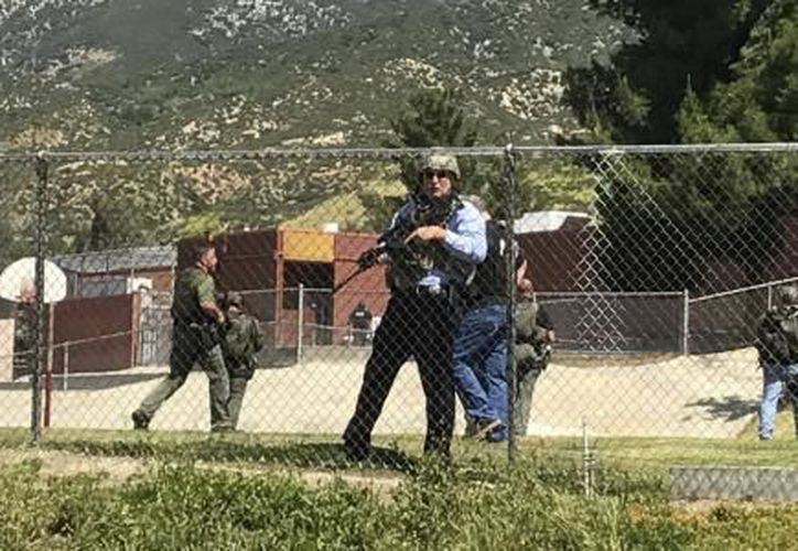 Un hombre entró en una clase del centro educativo North Park de San Bernardino y disparó contra una profesora poco antes de suicidarse. (El Financiero).