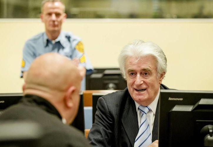 Radovan Karadzic en la sala del tribunal para la lectura de su veredicto en el Tribunal Penal Internacional para la ex Yugoslavia (TPIY) en La Haya, Países Bajos. (Agencias)