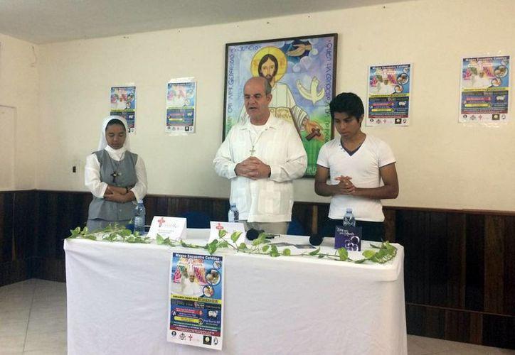 La iglesia católica alista un concierto para jóvenes. (Luis Soto/SIPSE)