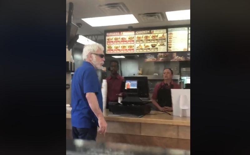 Cliente racista amenaza a empleada latina en restaurante de EU