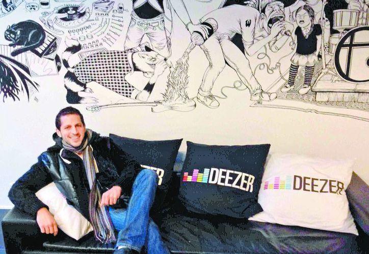 """Eduardo Mussali, director general del sitio, dijo que """"pueden encontrar toda la discografía de Polo Polo"""". (Milenio)"""