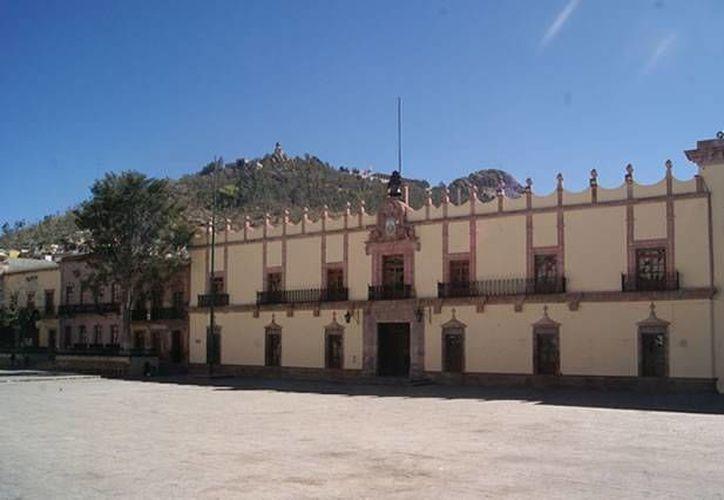 Darán a los estados lineamientos para mejorar su situación financiera. En la imagen, el palacio de gobierno de Zacatecas. (sedesol.gob.mx)